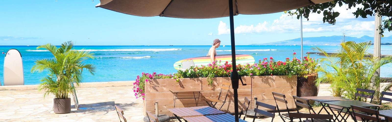 Barefoot Beach Cafe, Outdoor Dining Options in Waikiki, Honolulu