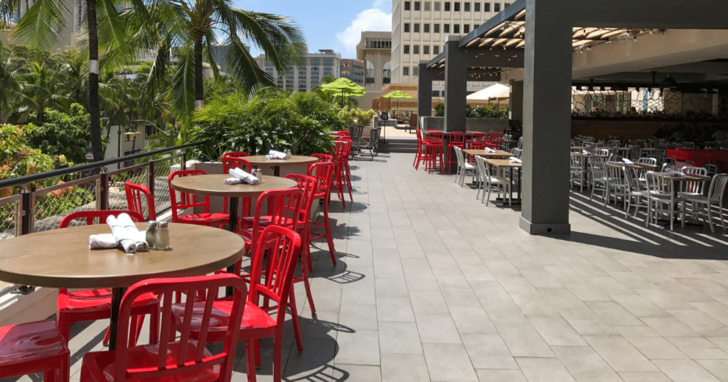 Maui Brewing Co., Waikiki Beachcomber by Outrigger, Outdoor Dining Venues in Waikiki