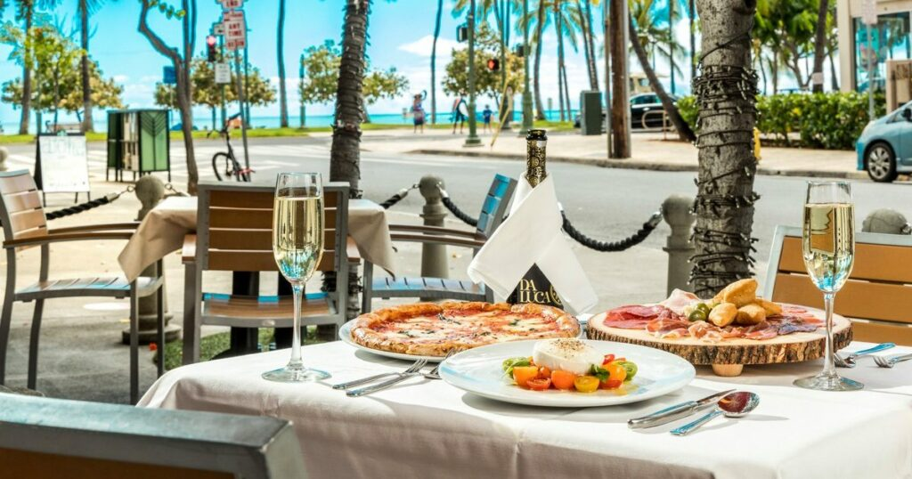 Arancino di Mare, Waikiki Beach Marriott Resort & Spa, Outdoor Dining Venues in Waikiki